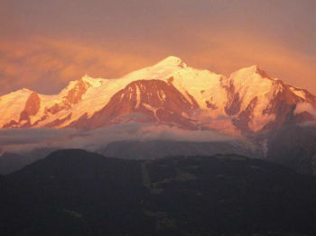 le mont blanc vu du coteau de St Roch